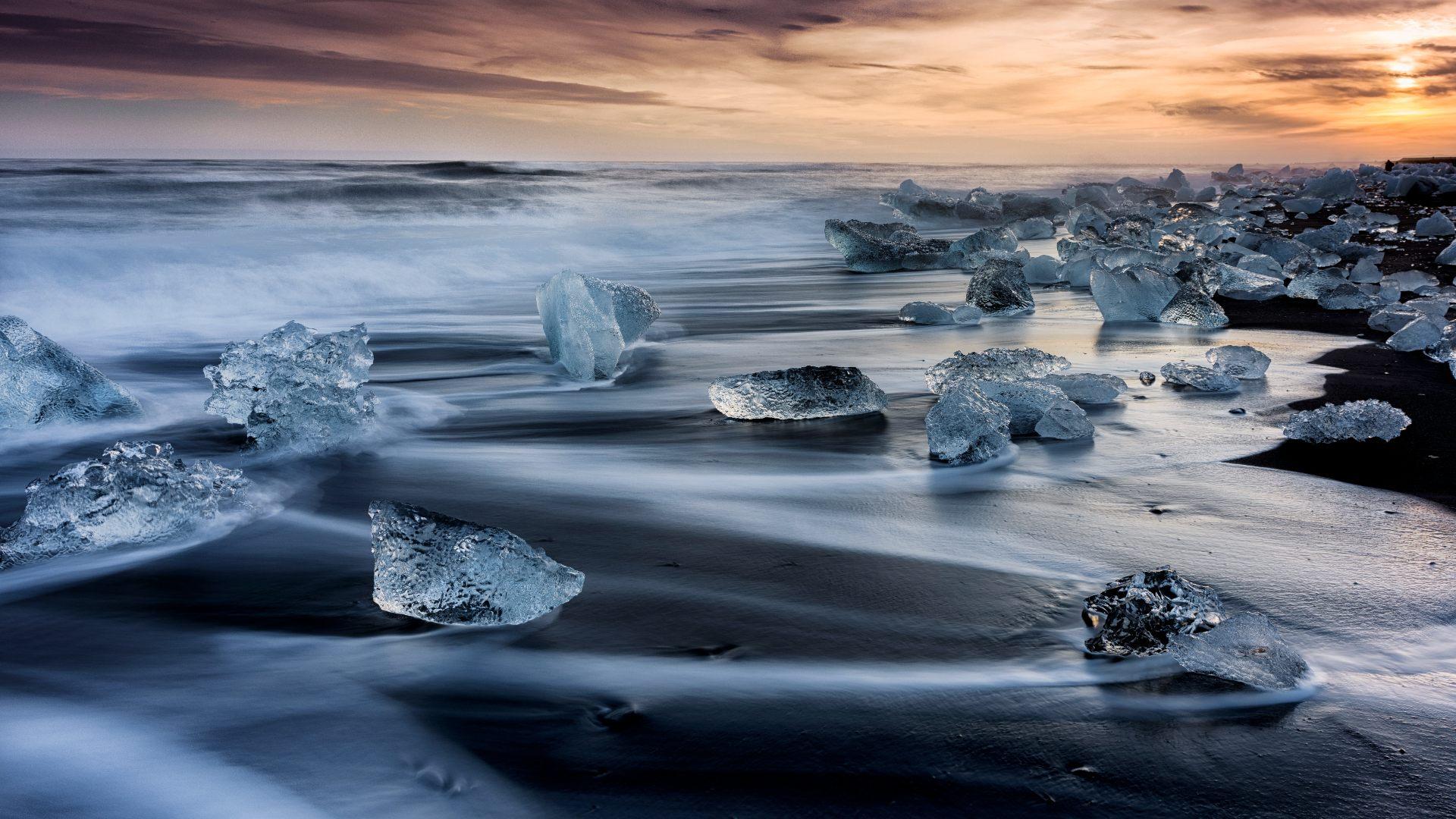 The Breiðamerkursandur diamond beach at sunset
