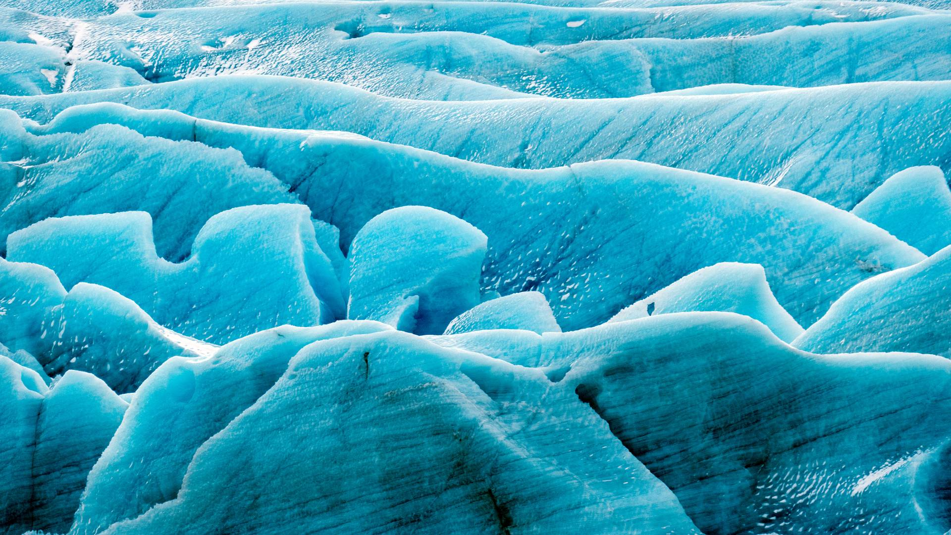 An Icelandic glacier up close