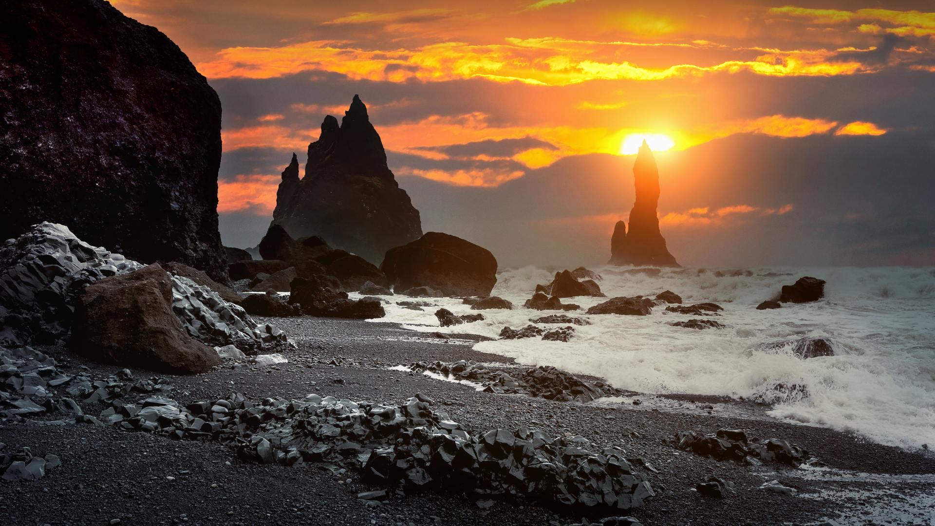 Reynisfjara with the Reynisdrangar sea stacks by sunset