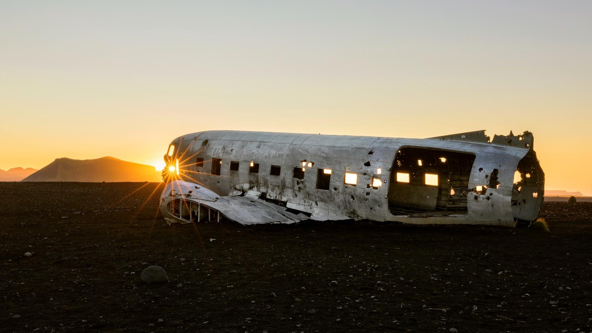 The plane wreck at Sólheimasandur black sand beach